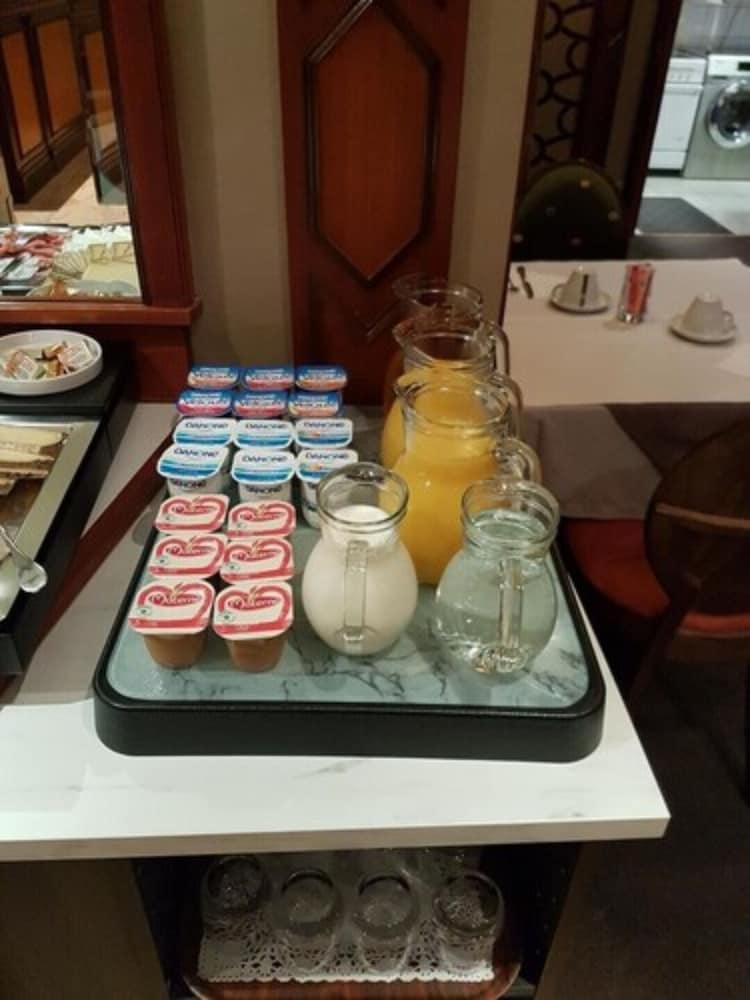 Breakfast Area, L'Hôtel Europe