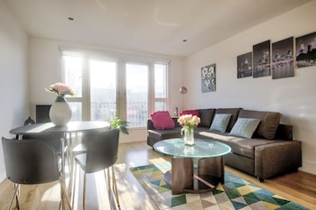 Stylish Apartment in Central Edinburgh with Secure Free Parking
