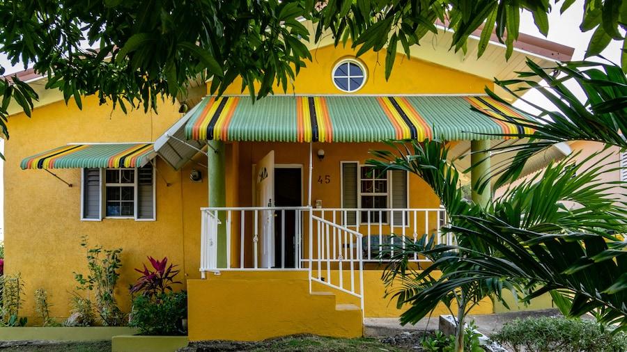 St Mary Mins Away From Ocho Rios 2 bed Ocean View Villa