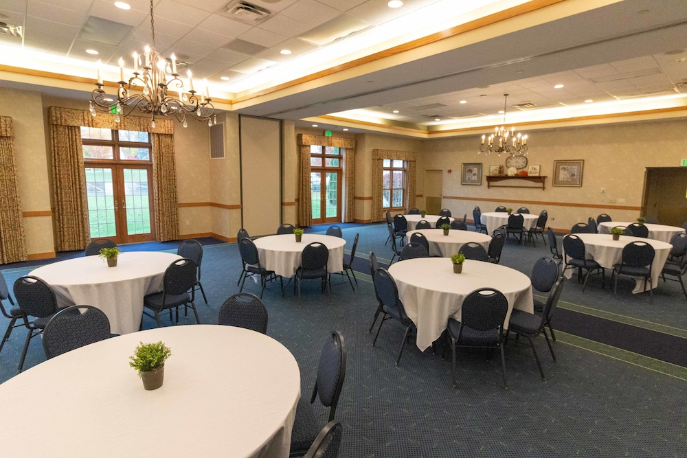 Meeting Facility, Essenhaus Inn & Conference Center