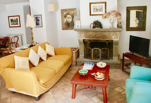 House With 4 Bedrooms in Barbarano Romano, With Enclosed Garden and Wifi - 40 km From the Beach