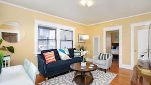 2 多间卧室、高档床上用品、熨斗/熨衣板、免费折叠床/加床