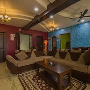 OYO 16497 Home Graceful 3BHK Parra