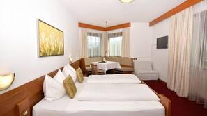 Zimmersafe, schallisolierte Zimmer, kostenpflichtige Babybetten