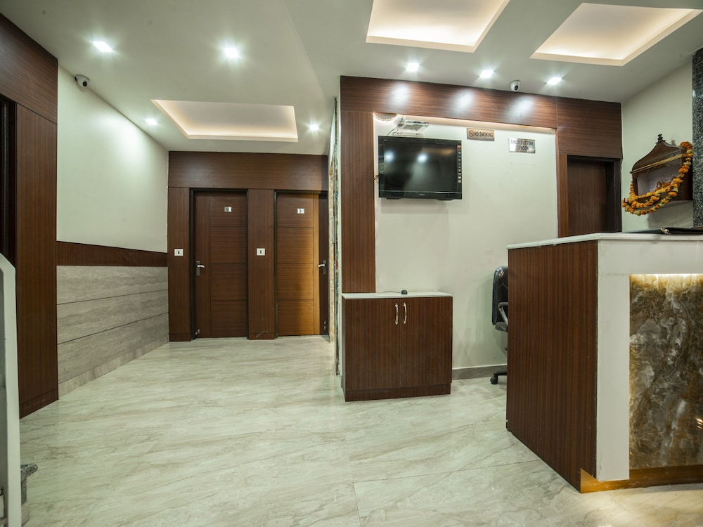 OYO 14136 hotel toto international: 2018 Room Prices $60, Deals ...