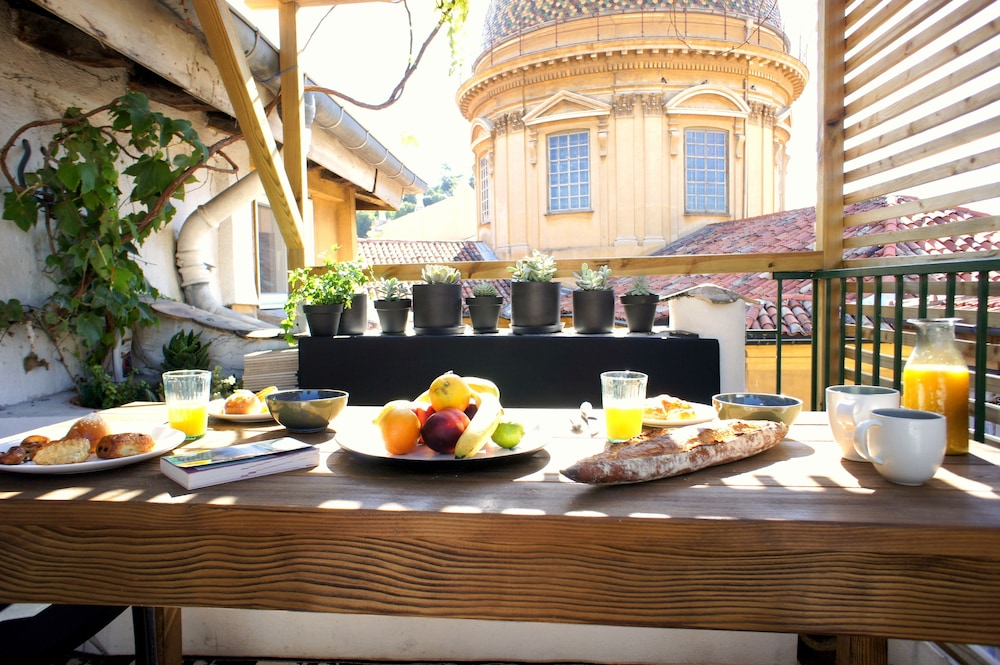 Vieux Nice Appartement Avec Rooftop In Nice Hotel Rates