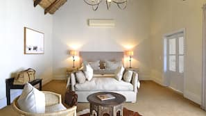 1 bedroom, premium bedding, Tempur-Pedic beds, free minibar items