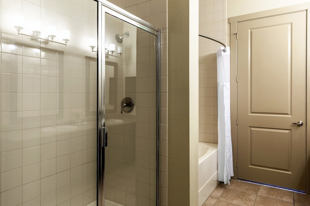 Bathroom Shower, Stay Alfred on Matisse Drive