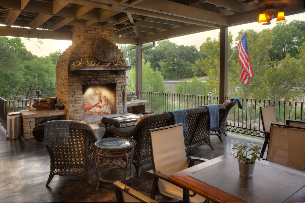 Terrace/Patio, The Lodge Above Town Creek
