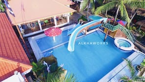 2 outdoor pools, free pool cabanas, pool loungers