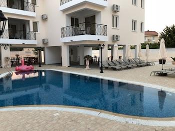 Carisa Livadia Gardens Apartments