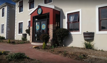 Bread & Barrel Bellville  Guesthouse