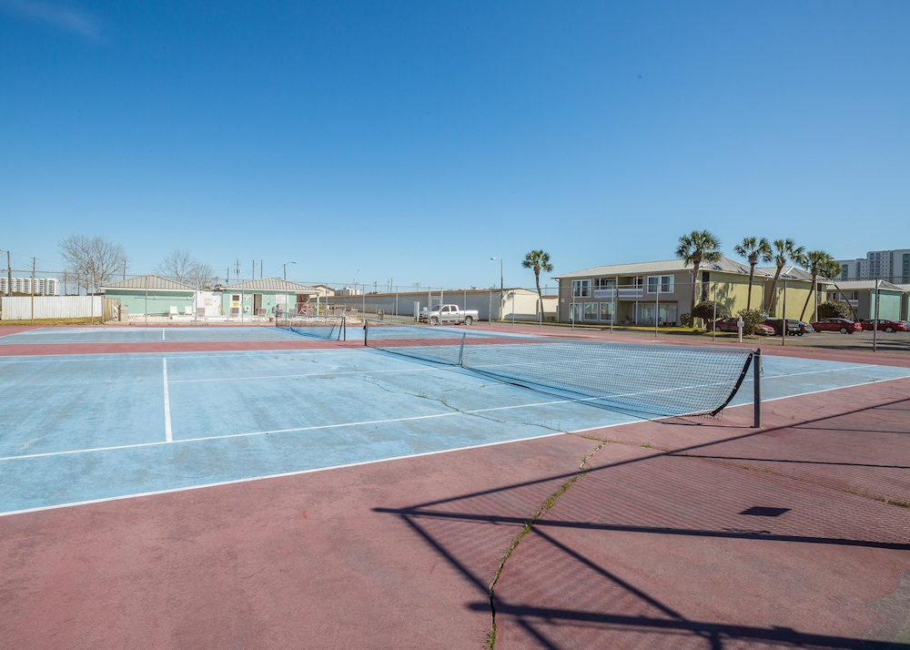Tennis Court, Gulf Terrace Condominiums