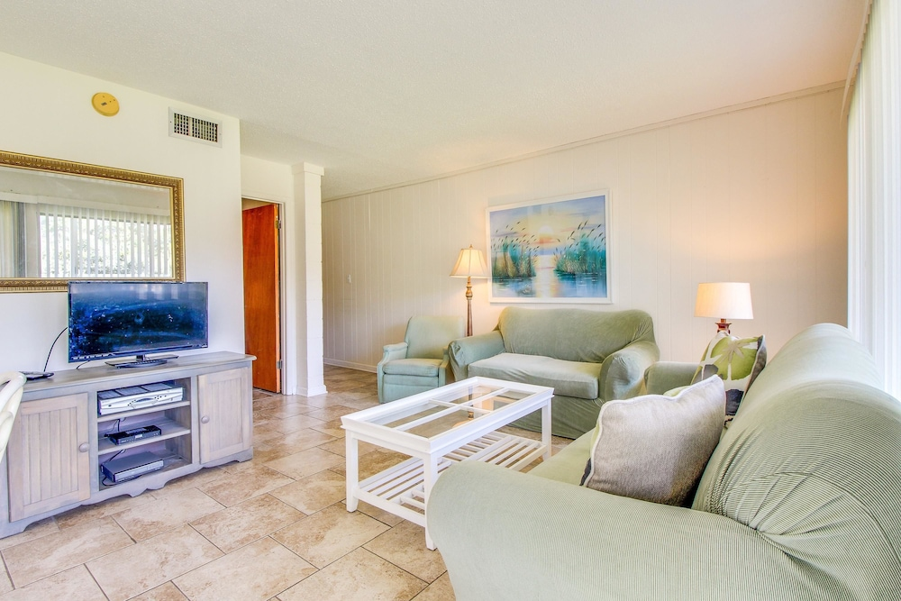 Room, Gulf Terrace Condominiums