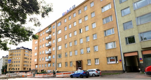Two Bedroom Apartment in Helsinki, Urheilukatu 38