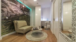 Hochwertige Bettwaren, Daunenbettdecken, kostenlose Minibar, Zimmersafe
