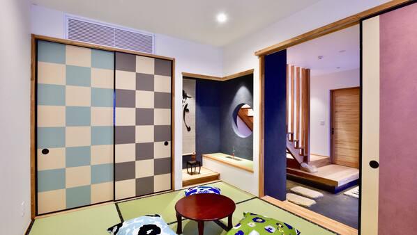 2 bedrooms, premium bedding, down comforters, Select Comfort beds