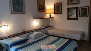 Down duvet, iron/ironing board, free WiFi, linens
