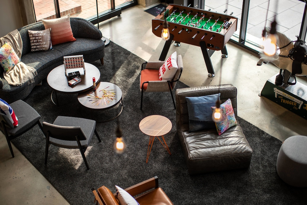 Lobby Sitting Area, Moxy Washington, DC Downtown