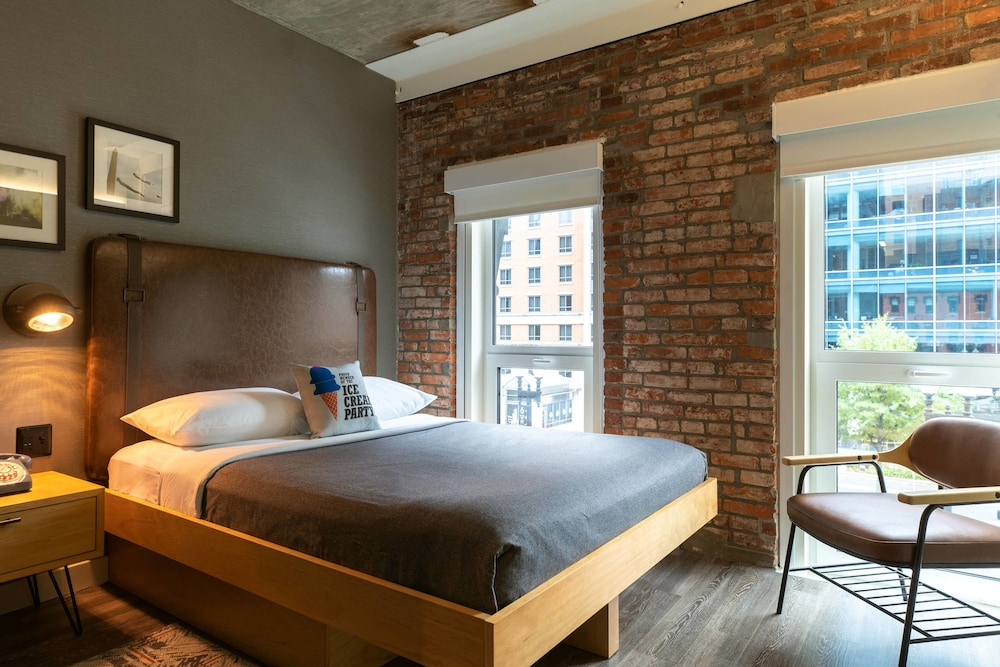 Room, Moxy Washington, DC Downtown