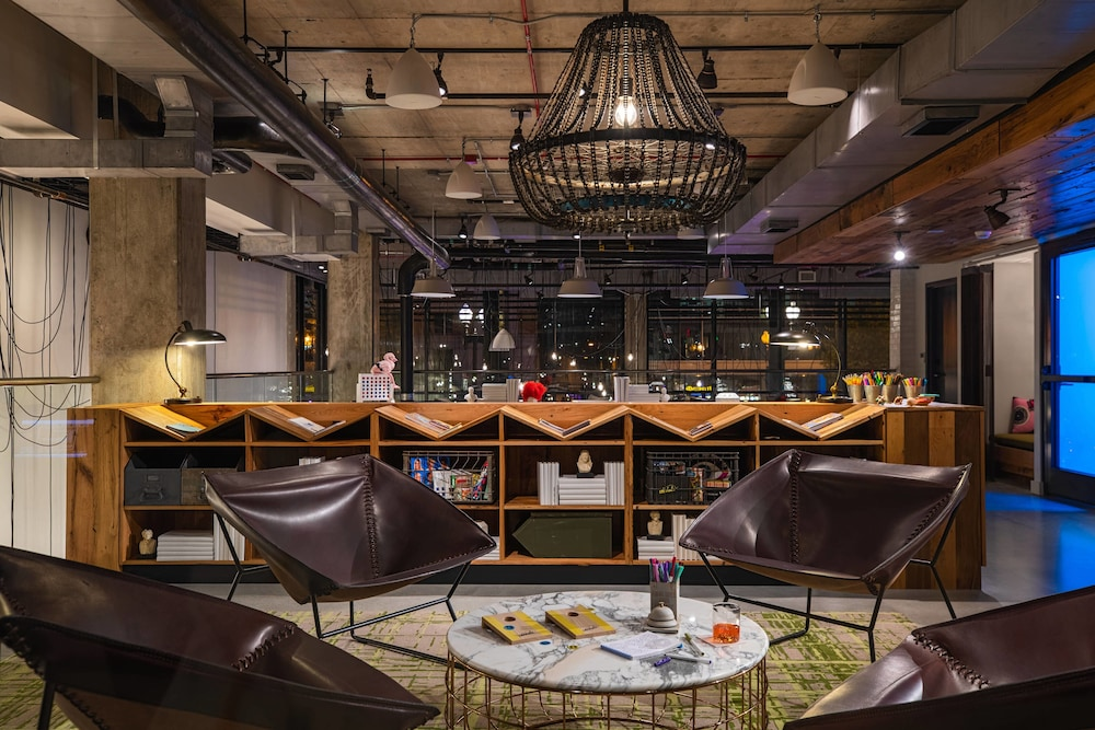 Restaurant, Moxy Washington, DC Downtown