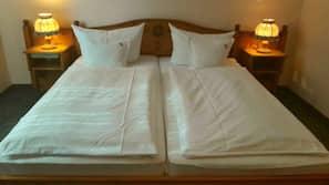 Schreibtisch, schallisolierte Zimmer, kostenloses WLAN, Bettwäsche