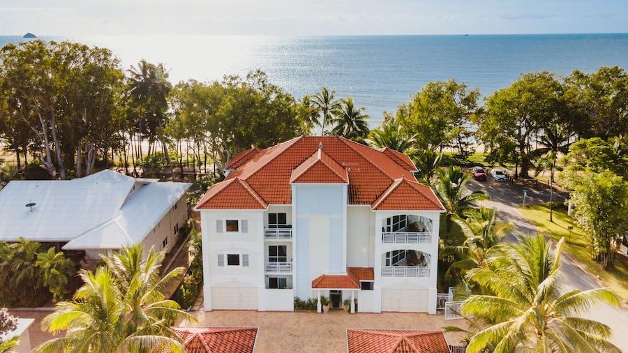 Villa Beach Palm Cove