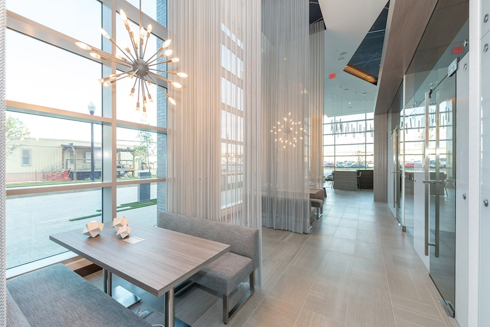Lobby Sitting Area, Global Luxury Suites Crystal City