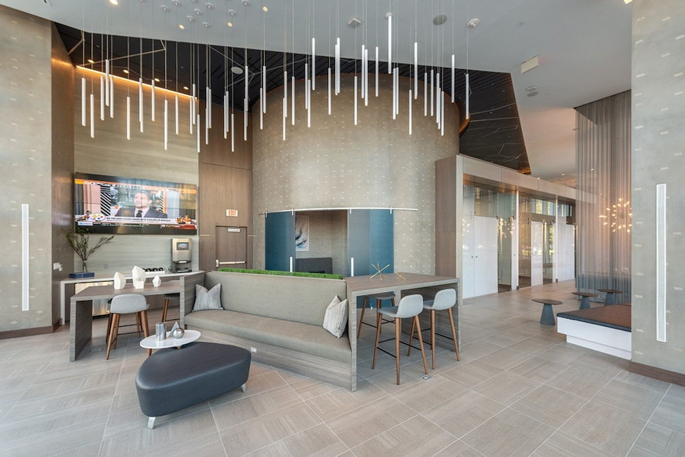 Lobby Lounge, Global Luxury Suites Crystal City