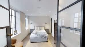 2 bedrooms, Egyptian cotton sheets, premium bedding, down duvet