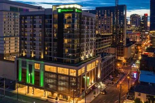 Holiday Inn and Suites Nashville Dtwn - Conv Ctr