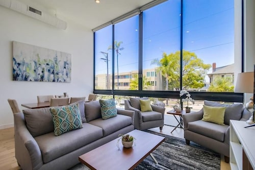 Great Place to stay Luxury San Diego Loft wParking near SAN DIEGO