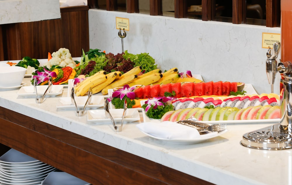 Buffet, Orchids Saigon Hotel
