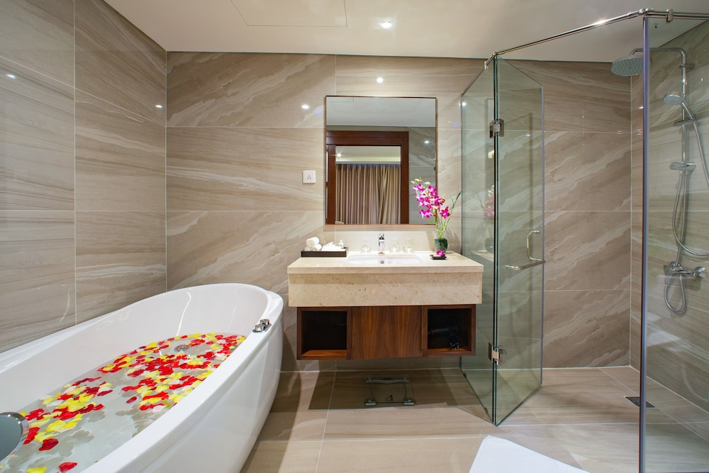 Bathroom, Orchids Saigon Hotel