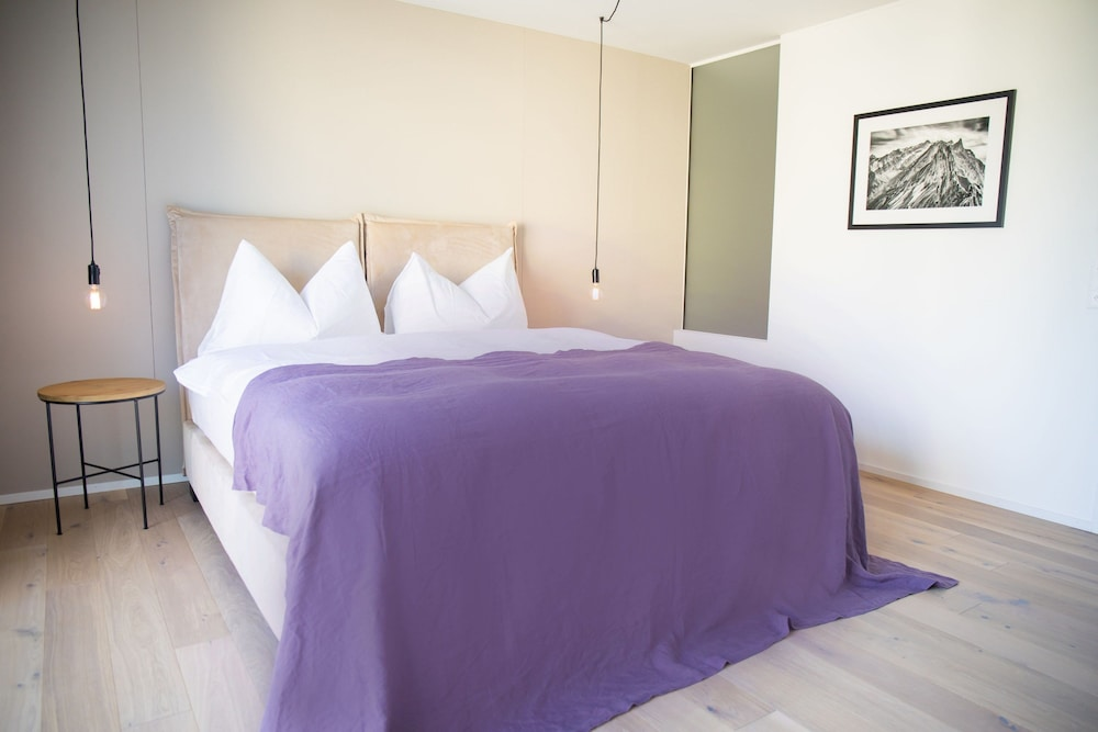 Room, Gubelhof Suites - Near Metalli Shopping Centre