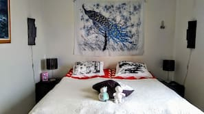 1 makuuhuone, ylelliset vuodevaatteet, yksilöllisesti sisustettu