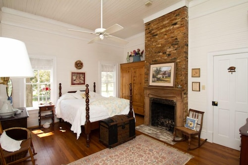 Great Place to stay Pleasant Lane Acres Bed and Breakfast near Edgefield