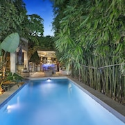 resort style home close to airport & CBD