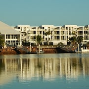 Hinchinbrook Harbour Holiday Apartments