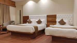 9 bedrooms, Egyptian cotton sheets, premium bedding, in-room safe