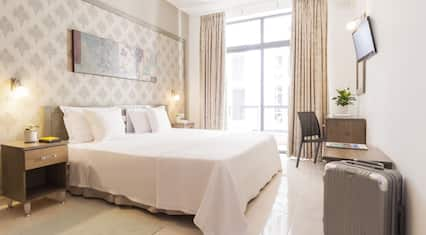 Rooms by Alexandra Hotel