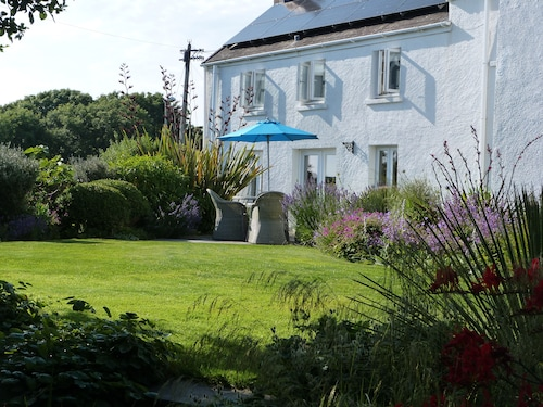 Awelon - Manorbier Bed and Breakfast
