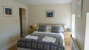 2 bedrooms, hypo-allergenic bedding, free WiFi