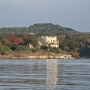 Lakefront Castle House With Multi-level Decks Sleeps 16, Private Cove and Dock