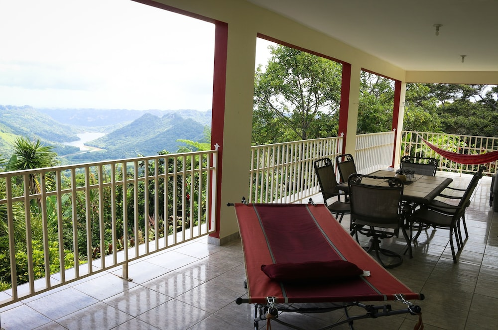 Balcony, Large Lakeview Mountain Home (Sleeps 1-45)