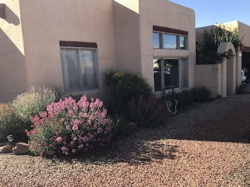 Santa Fe Charm in Gated Community