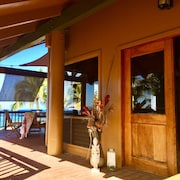 Traditional Hawaiian Pole House Nestled On 100 Ft Oceanfront Paradise!
