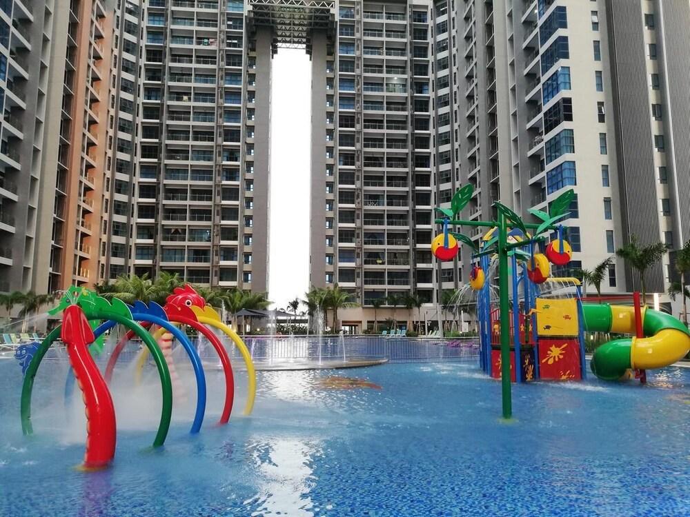 hmh atlantis family apartment big pool with splash malacca 2018