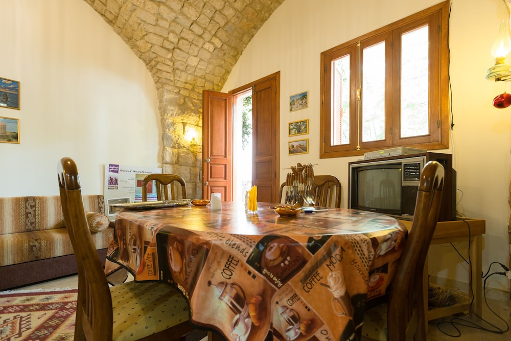 Private Kitchen, Boustany Guest House