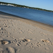 Hamptons Waterfront- On A Sandy Beach- Relax & Getaway!